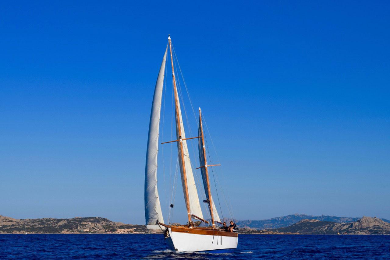 barca-a-vela-Simeone-in-navigazione.jpg