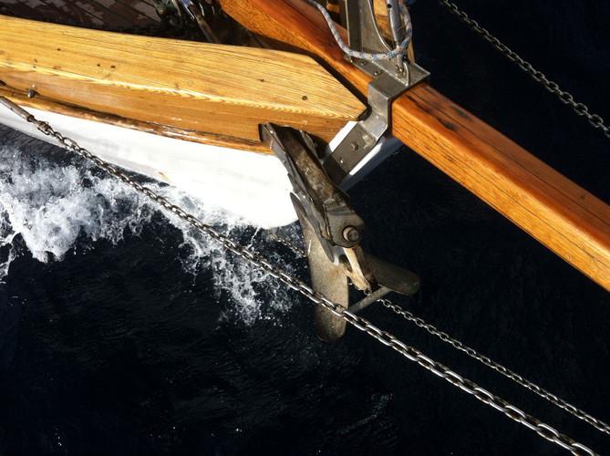 prua-barca-simeone-in-navigazione.jpg