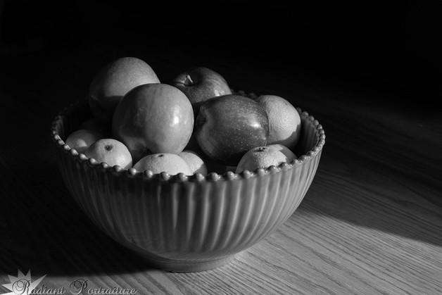 FruitContrast2_BW.jpg