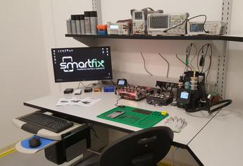 Postazione di Lavoro per Laboratorio Elettronico