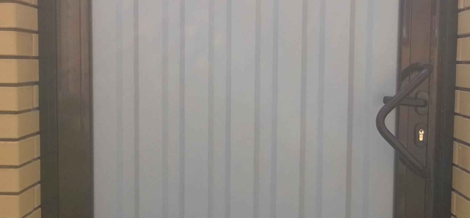 Калитка Doorhan - алюминиевая рама с заполнением профлистом