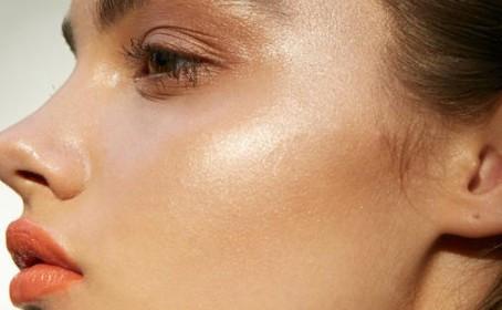 Como fazer a maquiagem durar mais neste verão