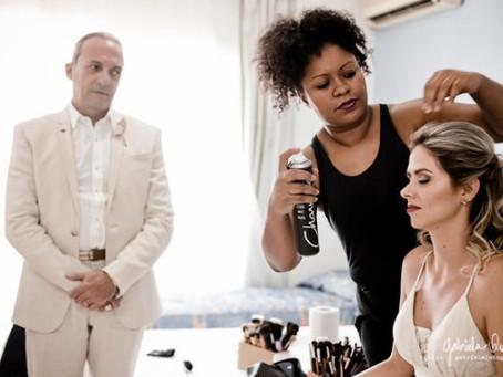 Como fixar bem o penteado da noiva?