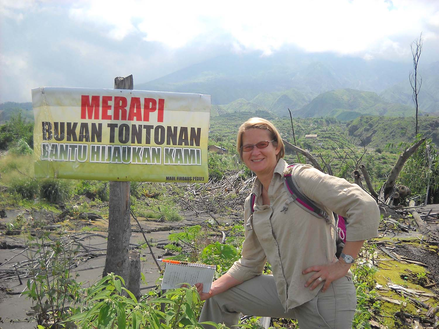 Liz with Merapi sign