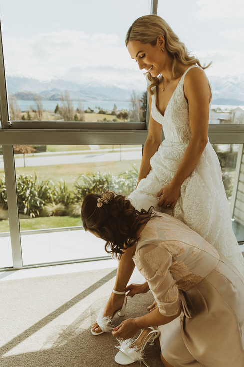 Jamie and Sophie Wanaka Wedding Photographer Truly Yours  Suzanne Harward Couture