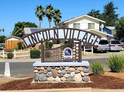 Lincoln-Village-Sign-3.jpg