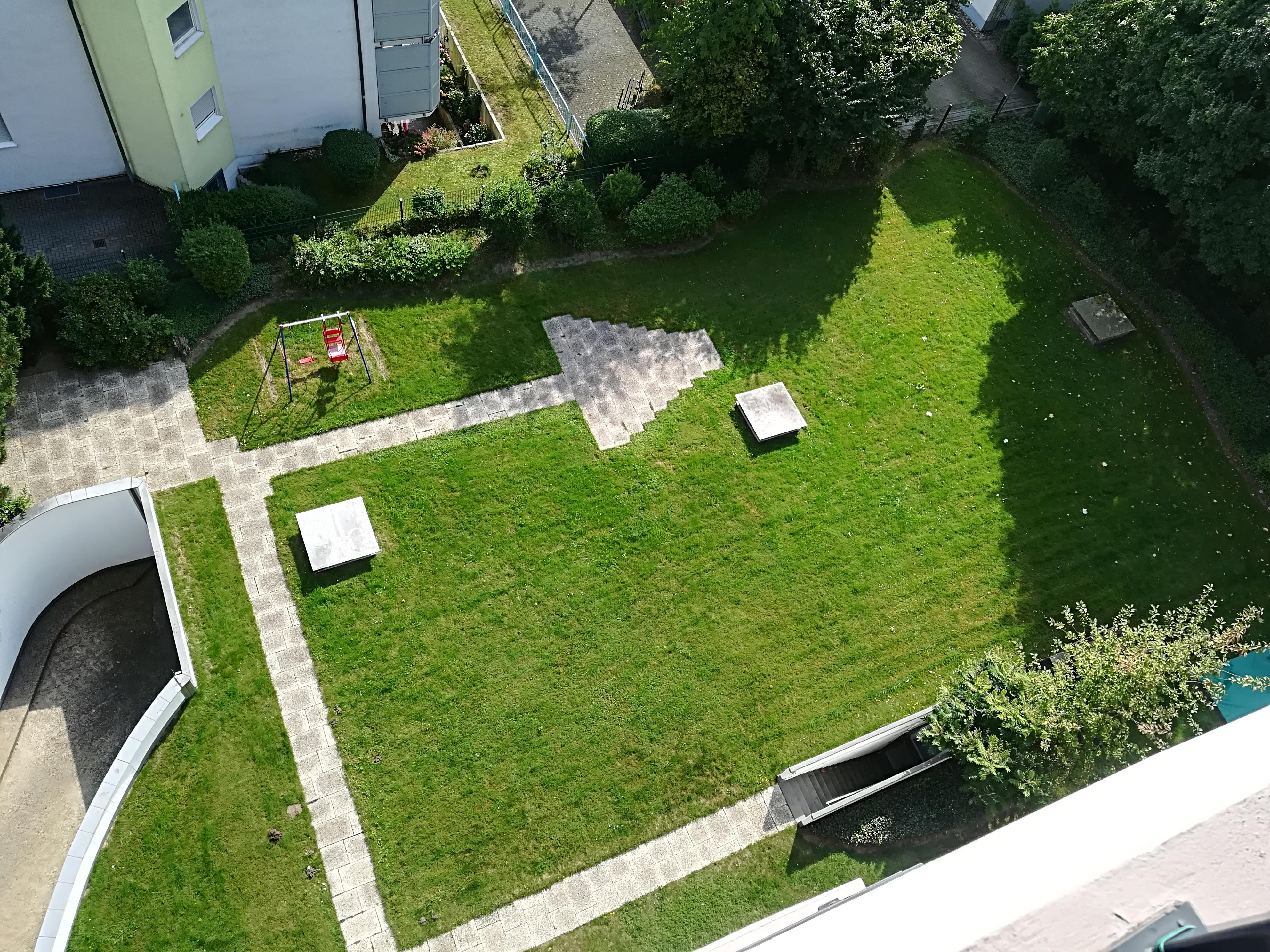 Balkonansicht in den Garten