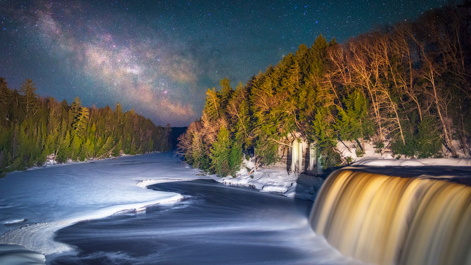 Tahquamenon Falls After Hours [ 4k ]