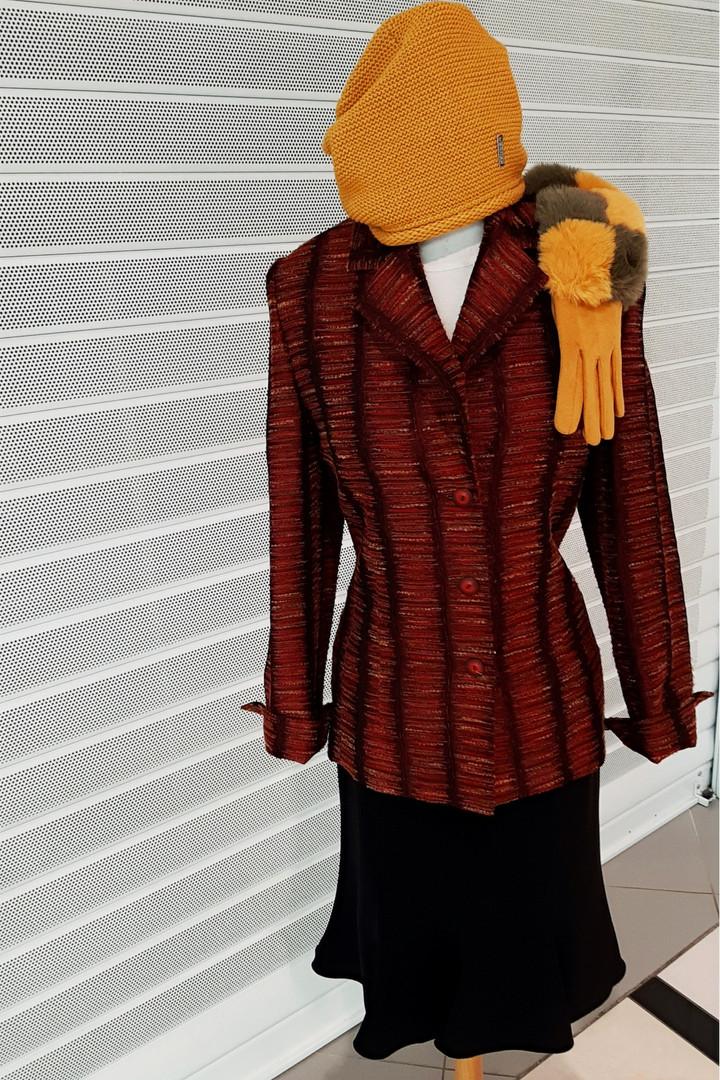 Dámský kostým