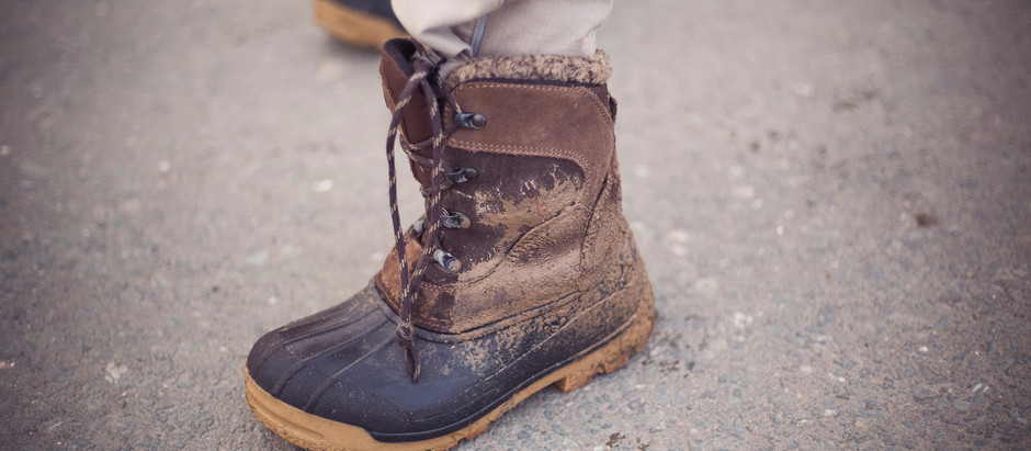 Pull On Vs Lace Up Work Boots - Which is best for your job