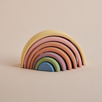 normal_pastel-small-wooden-stacking-rain