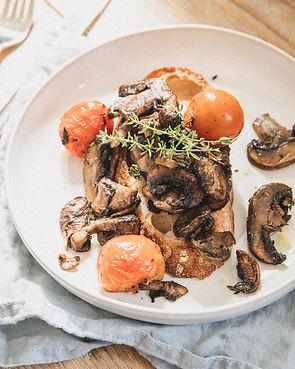 Easy Mushrooms & Tomatoes on Toast