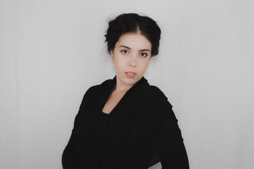 Lucy - Headshots - Emma Vincent Photography-141.jpg