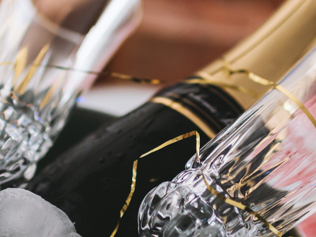 7 simple last-minute touches for a great new year's eve party.