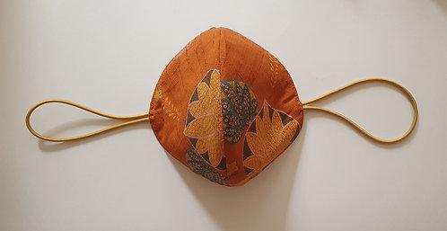 Tapabocas Tela Japonesa / FLORES fondo terracota flor de liz mix