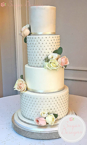 Latimer couture cake with fresh flowers
