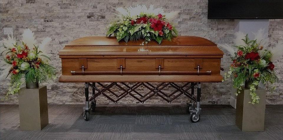 Funeral%252520casket%252520red%252520set