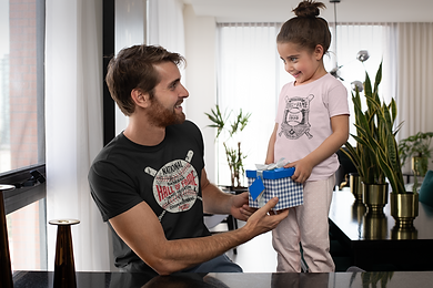 mockup-featuring-a-girl-giving-her-dad-a