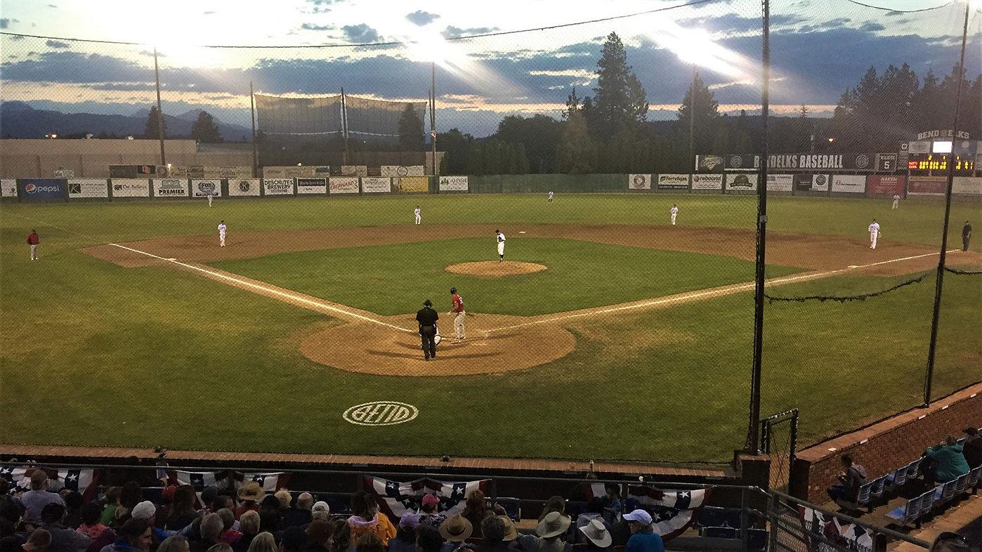 Bend-Elks-Baseball-1600.jpg