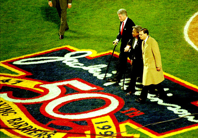 President Bill Clinton, Rachel Robinson and Bud Selig