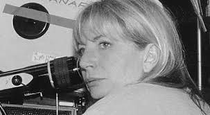 Director Penny Marshall