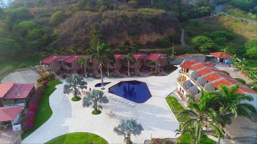 Hotel_Baja_Montañita-_Vista_desde_arriba