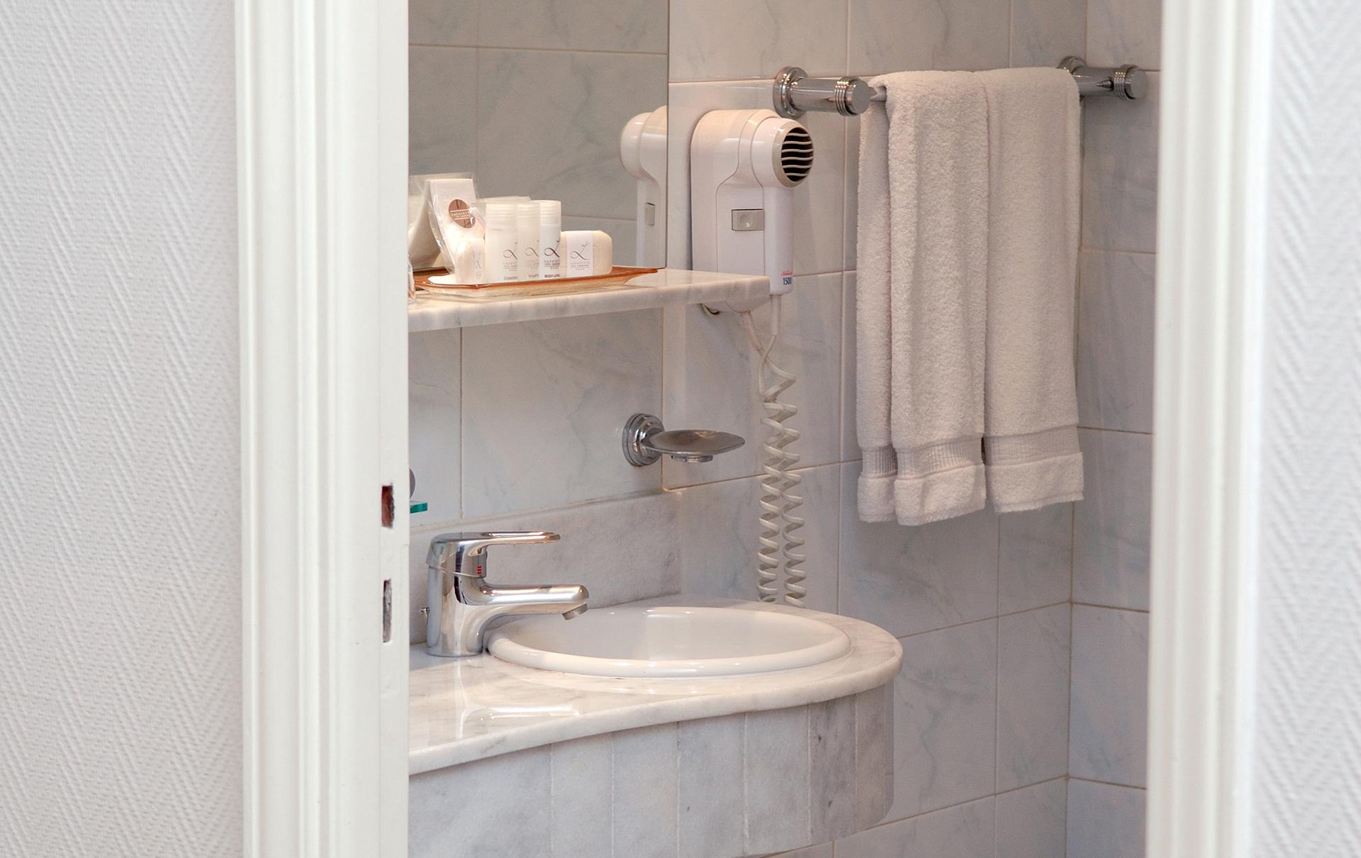 Baño-_Lafayette_doble