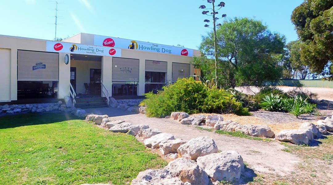 Howling Dog Tavern, Corny Point, SA