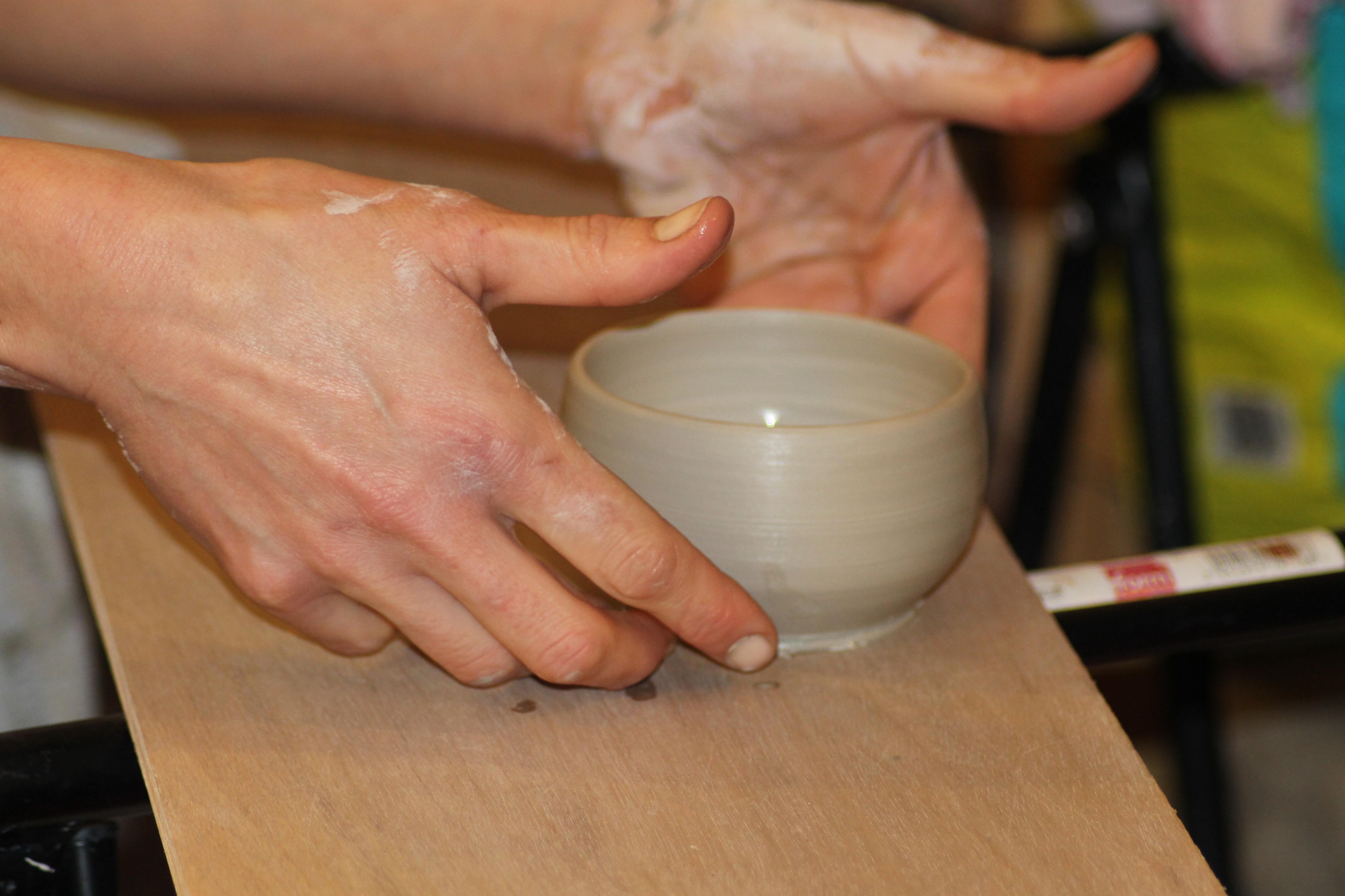 2 : tournage et façonnage du bol