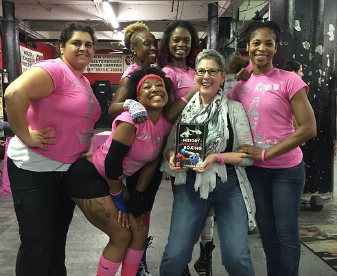 thumbnail_Malissa Smith with Gleasons Womens Champions 2015.png