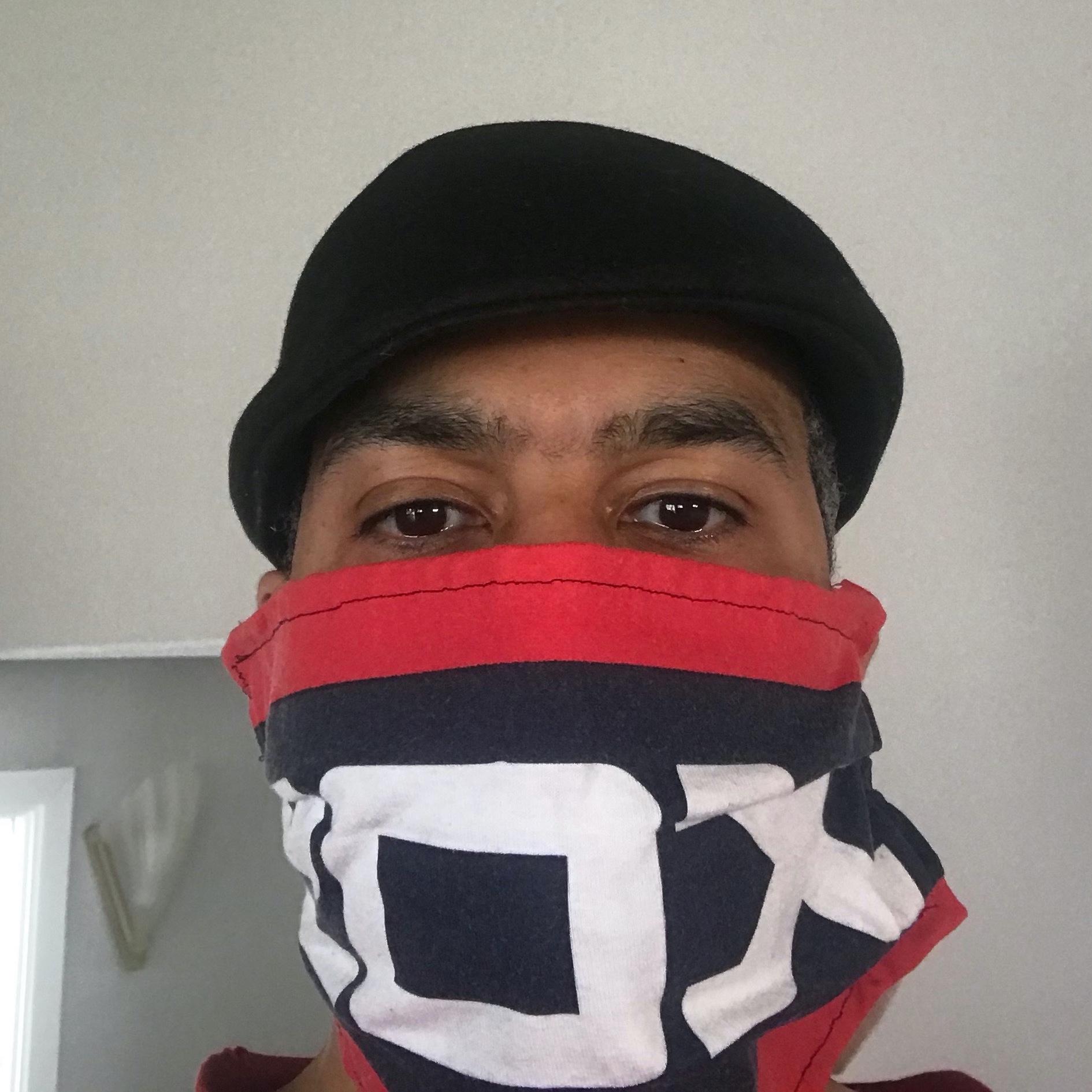 ESC Volunteer in Sox Mask 1