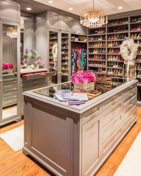 Luxury Walk-In Closet :: kermitbrown.com