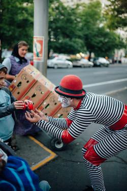 Cirque Clown 2 - Alex Bistrevsky