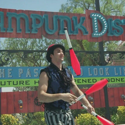 Look Ma, I made it into a media junket! 🎥 #ScreamPunkDistrict #TwistedColossus #Circus