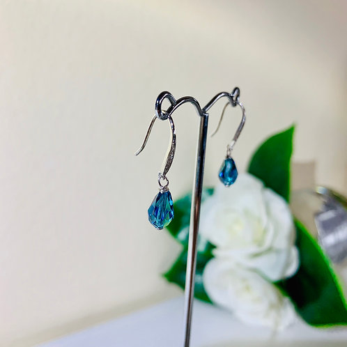 Silver 925 Swarovski crystal pierced earrings