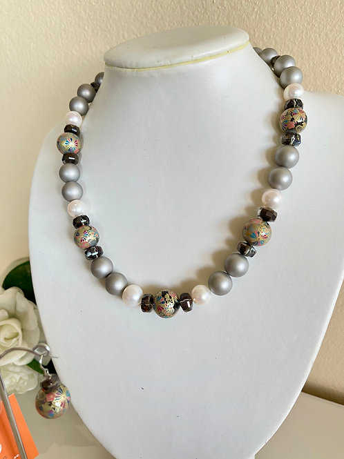 Japanese Tensha beads F/W pearl and shell pearl necklace