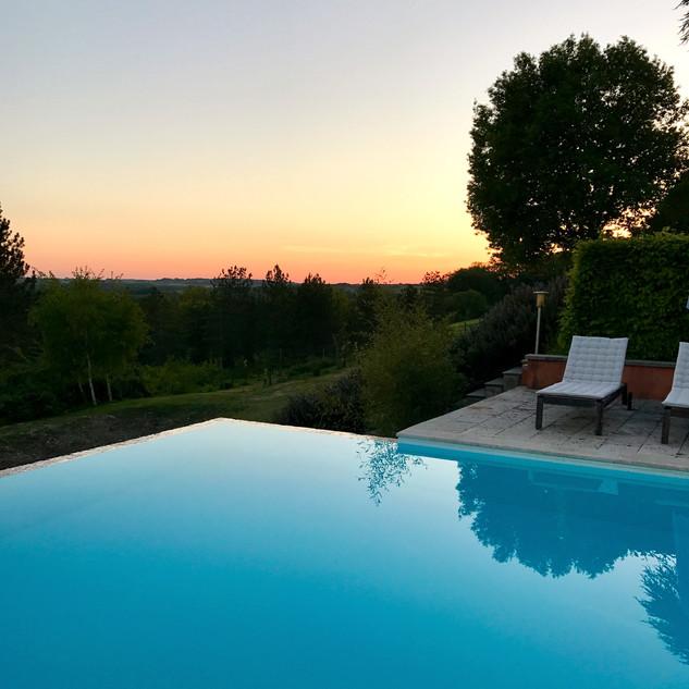 Pool sundown