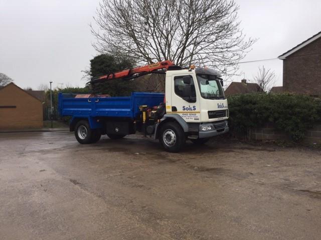 small lorry.jpg