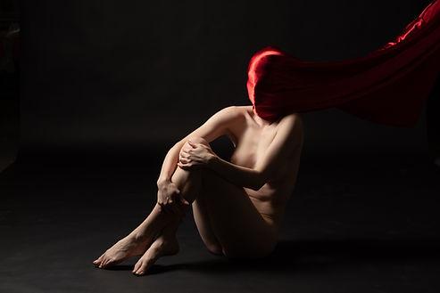 Awakening ; physical process  Photographer : Maurice Elmaleh Model : Margo Ganassa 