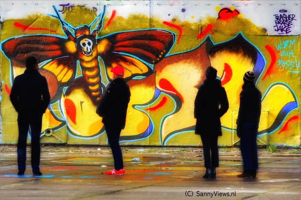 Mural art love.JPG
