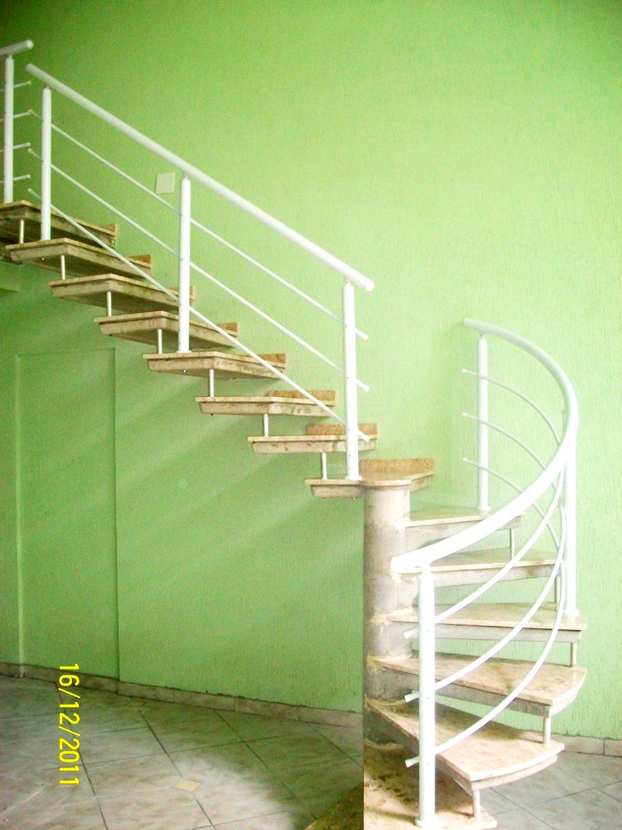 corrimo-em-aluminio-para-escada-caracol-