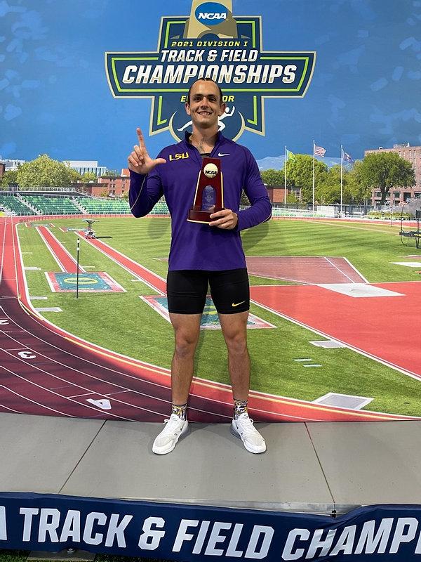 2021 NCAA Javelin champion bay area bomb