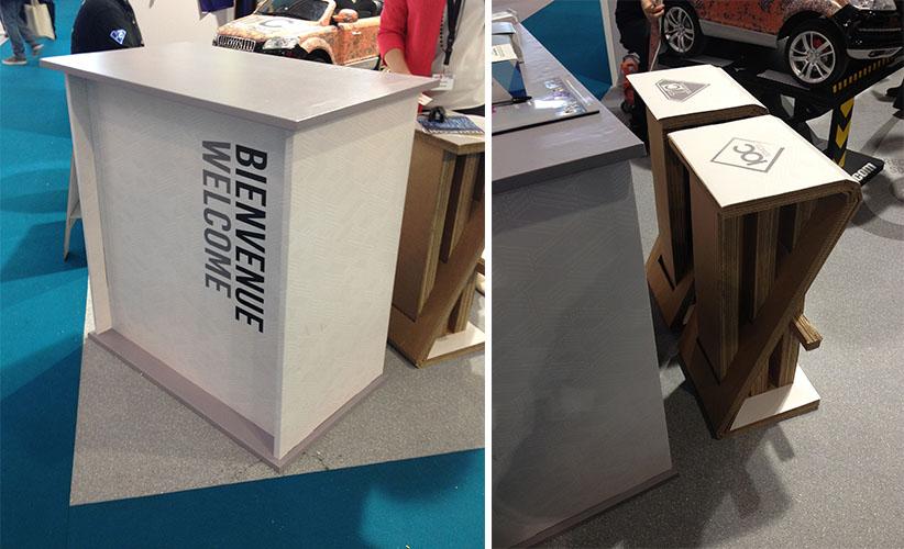 Desk et chaises en carton