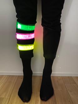 3 colors on leg image