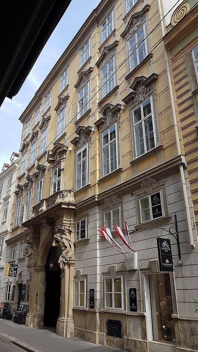 Barock-Palais 1.jpg