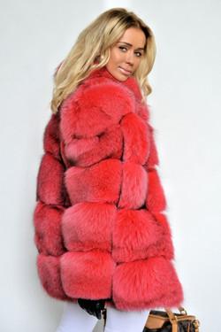 fantastic-royal-saga-fox-fur-coat-3543-00a.jpg