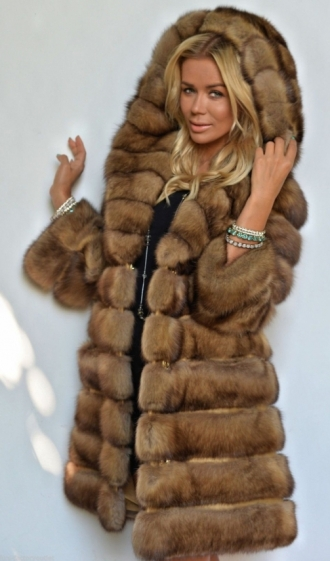 min_natural-gold-russian-sable-fur-coat-with-big-hood-3193-1.jpg