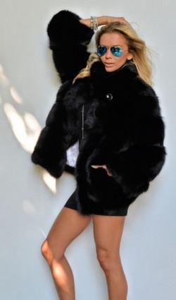 min_black-royal-saga-fox-fur-jacket-3215-65.jpg