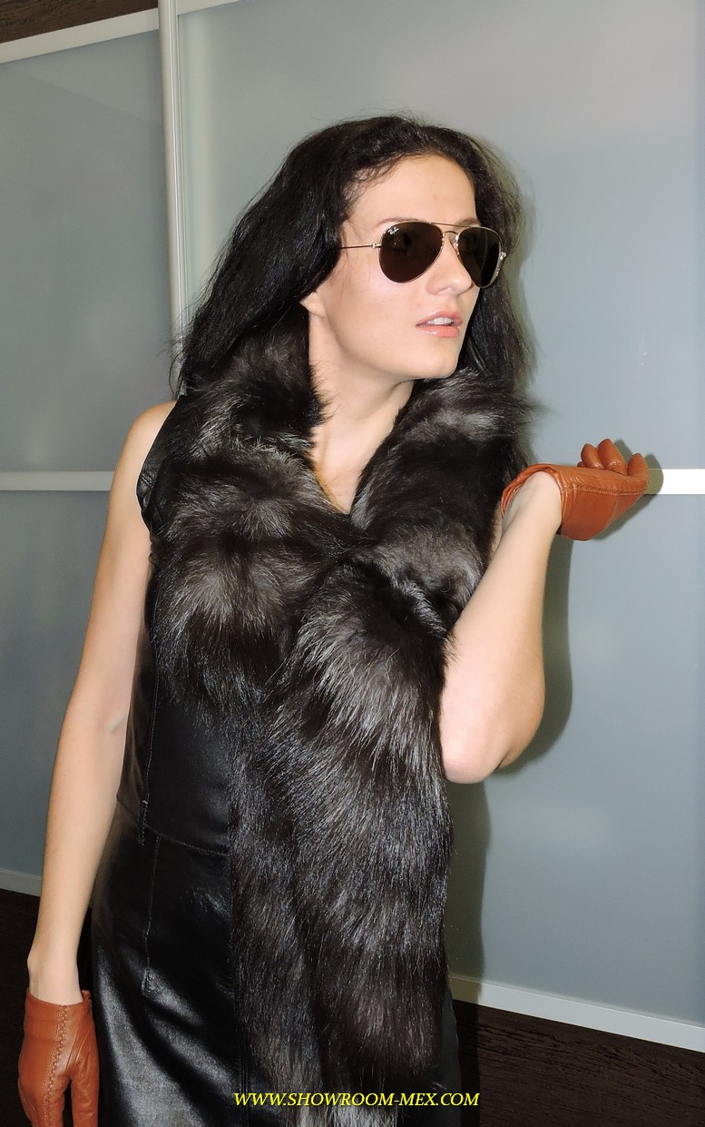 www.showroom-mex.com SAGA FUR FOX MINK COAT BOA71.JPG