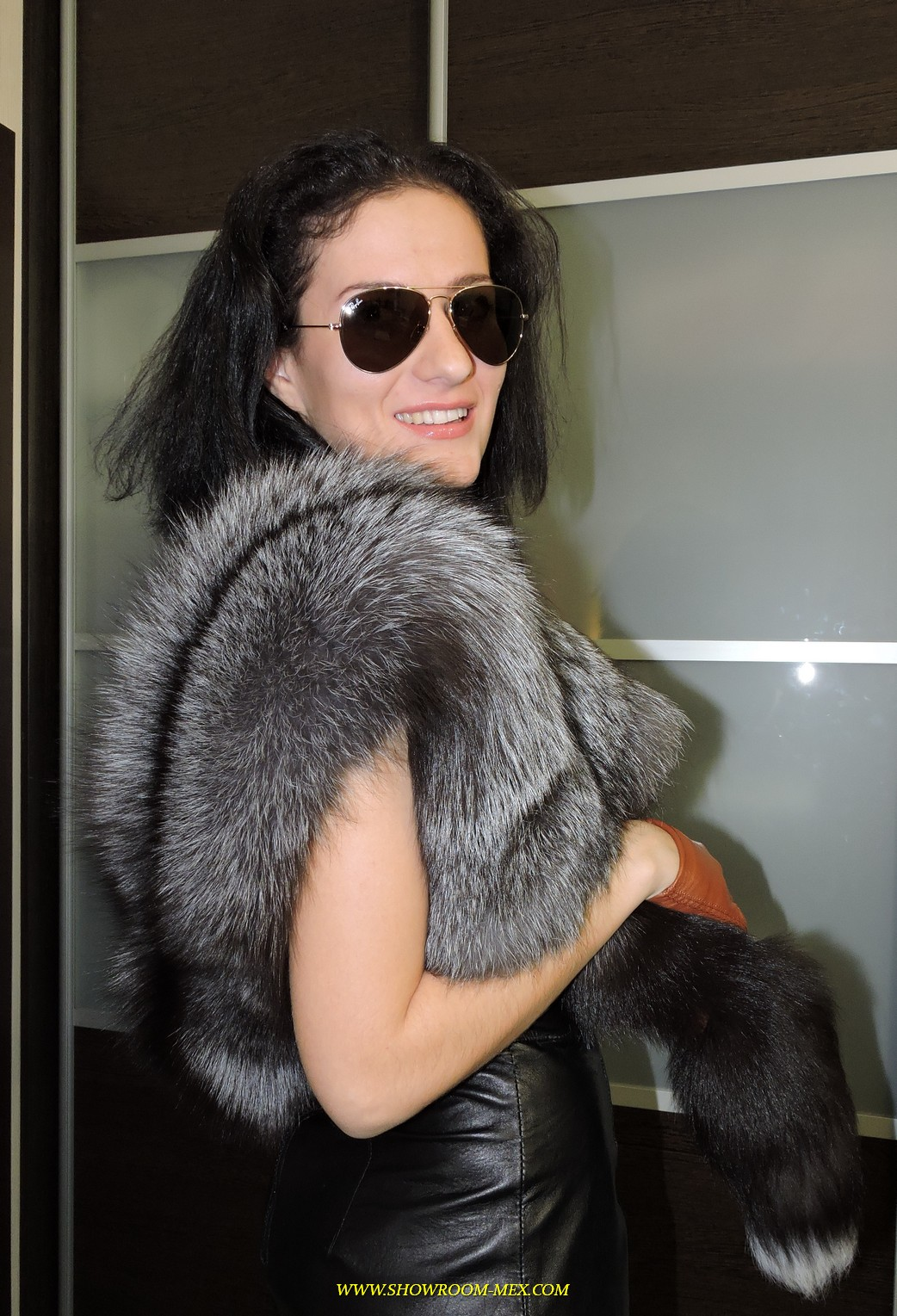 www.showroom-mex.com SAGA FUR FOX MINK COAT BOA28.JPG